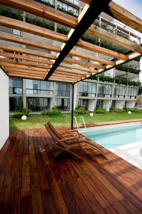 Nt24 - A.flo Arquitectos: Jardines de estilo moderno por A.flo Arquitectos
