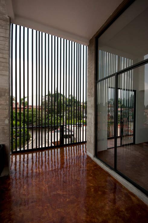Nt24 - A.flo Arquitectos: Estudios y oficinas de estilo moderno por A.flo Arquitectos