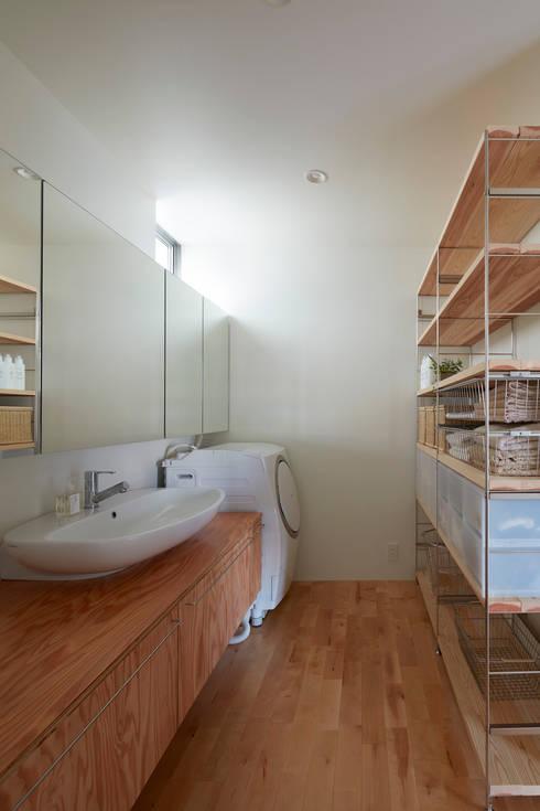 Bathroom by 小泉設計室