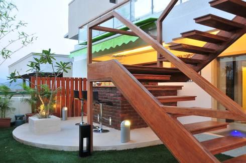 Penthouse Design:  Terrace by Aum Architects