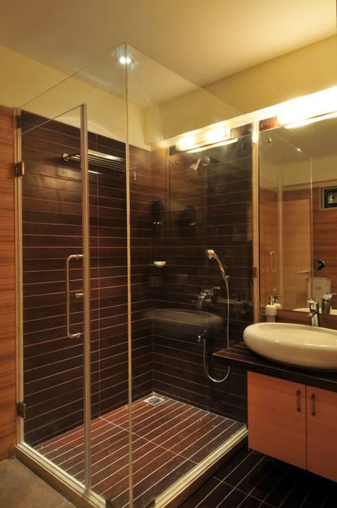 Penthouse Design:  Bathroom by Aum Architects