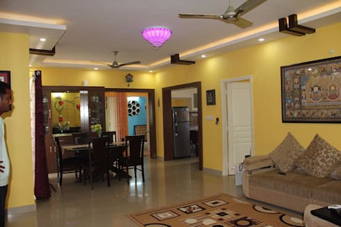 BhubanaGreenCompleteLeavingHall: classic Dining room by Uniheights Interio PVT LTD