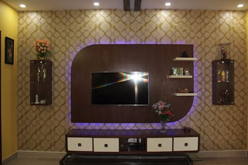 BhubanaGreenLeavingHallTVUnit: classic Living room by Uniheights Interio PVT LTD