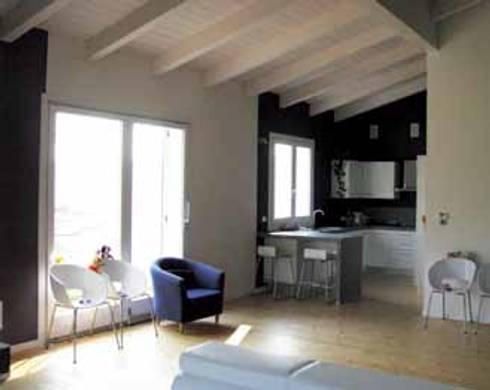 Casa in legno autosufficiente studio foschi case in for Interni di case in legno contemporanee