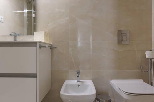 Villa Marina: Casa de banho  por Zenaida Lima Fotografia