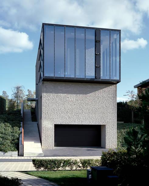 Woonhuis Graaf - Nicolaije: moderne Huizen door bv Mathieu Bruls architect