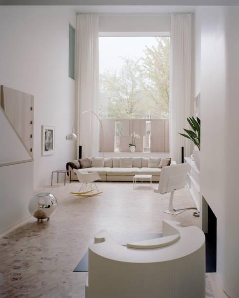 Woonhuis Wijnhoven - Beijnsberger:  Woonkamer door bv Mathieu Bruls architect