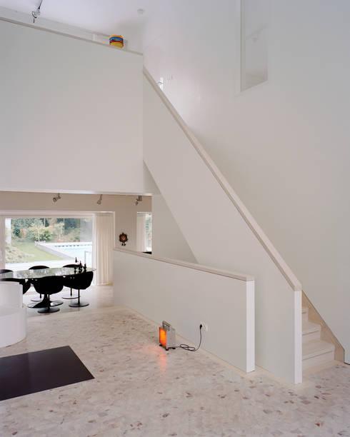 Woonhuis Wijnhoven - Beijnsberger:  Eetkamer door bv Mathieu Bruls architect