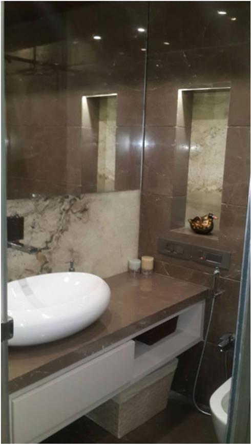 PIROZE PALACE: modern Bathroom by HK ARCHITECTS