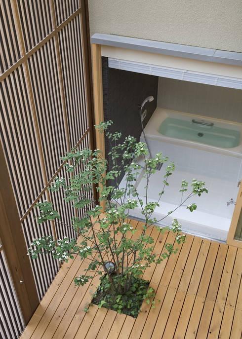 modern Spa by LIC・山本建築設計事務所