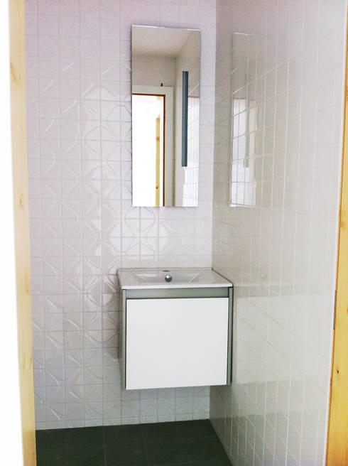 Casa de banho: Casas de banho ecléticas por GAAPE - ARQUITECTURA, PLANEAMENTO E ENGENHARIA, LDA