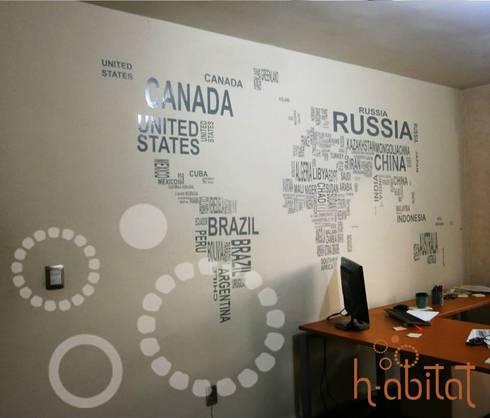 Vinil Decortavio en Oficina: Paredes y pisos de estilo moderno por H-abitat Diseño & Interiores