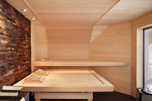 wellness oase mit sauna in einer dachschr ge von erdmann. Black Bedroom Furniture Sets. Home Design Ideas