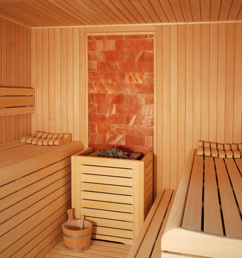 Spa de estilo moderno por INBECA Wellness Equipment