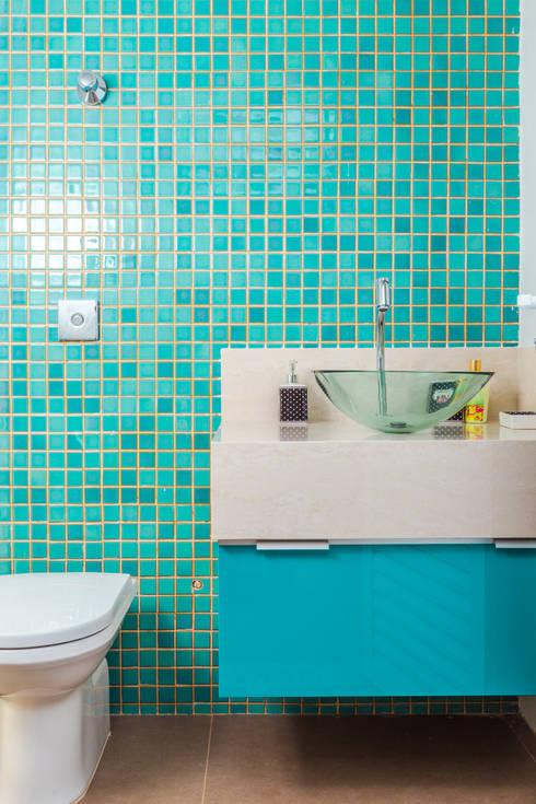 Ванные комнаты в . Автор – ADRIANA MELLO ARQUITETURA