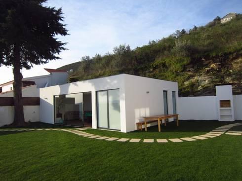 LUGAR DAS LETRAS: Casas modernas por MHPROJECT