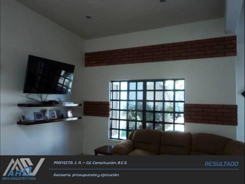 J. R. – Cd. Constitución B.C.S.: Salas multimedia de estilo rústico por MA5-Arquitectura