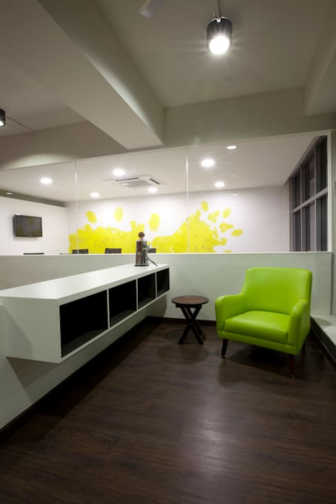 White Canvas:  Offices & stores by Kamat & Rozario Architecture