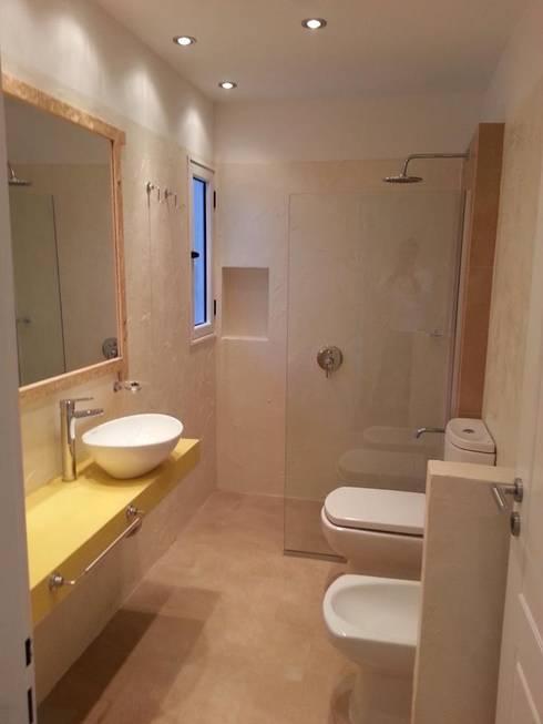 Baños de estilo  por Somos Arquitectura