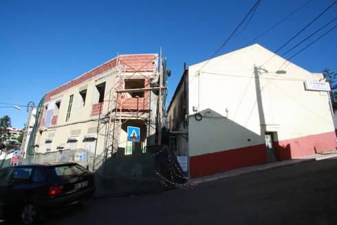 05_Trabalhos de Demolição:   por MGD-ARQUITECTOS, Lda.