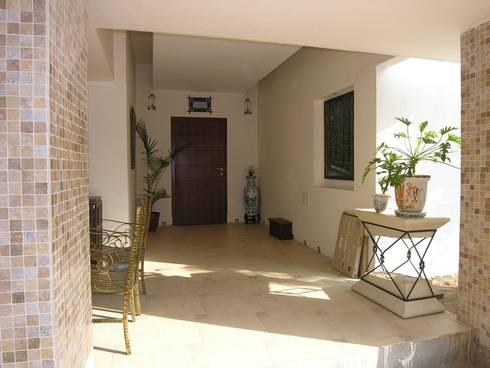 Verandah:  Terrace by Ansari Architects