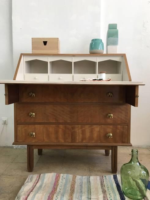 Escrivaninha : Casa  por Rafaela Fraga Brás Design de Interiores & Homestyling