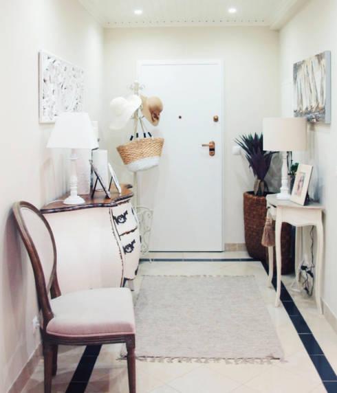 Entrada : Corredores e halls de entrada  por Rafaela Fraga Brás Design de Interiores & Homestyling