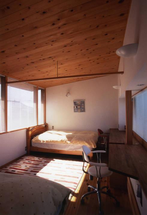 静岡の家 case001: 岩川卓也アトリエが手掛けた子供部屋です。