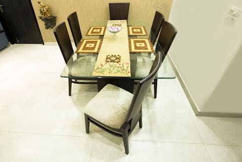 Dinning Table: classic Dining room by IMAGIC INTERIORS