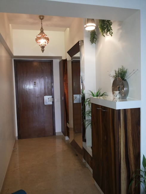 DB WOODS , GOREGAON:  Corridor, hallway & stairs  by J SQUARE - Architectural Studio