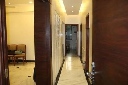 Signature Touch… !:  Corridor, hallway & stairs  by Neha Changwani