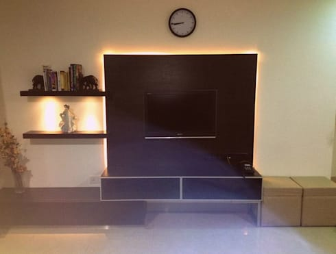 Signature Touch… !: modern Living room by Neha Changwani
