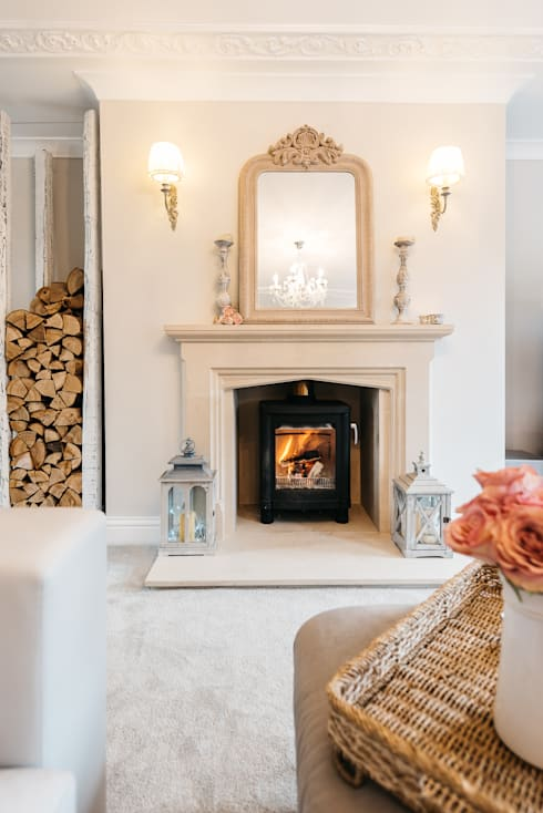 Living room by Katie Malik Interiors