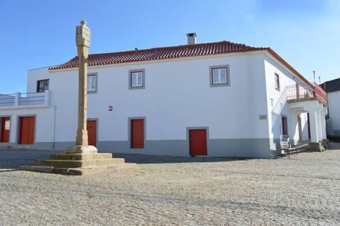 Casa de Campo das Sécias: Casas rústicas por MHPROJECT