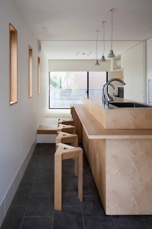 Nhà bếp by 設計事務所アーキプレイス