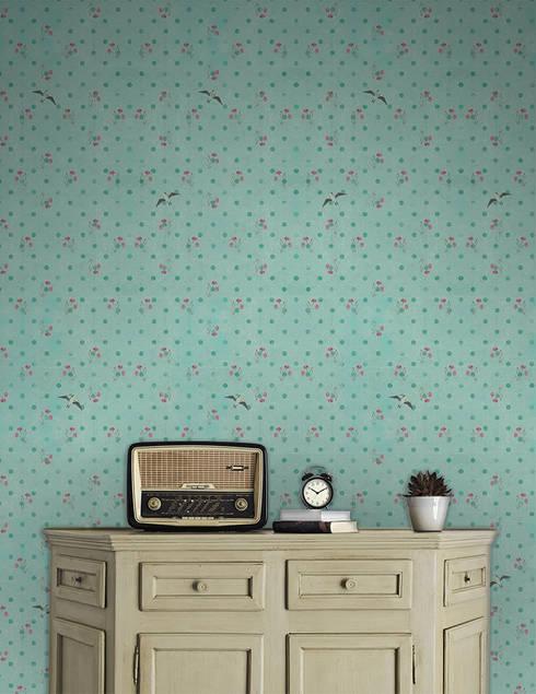 Andorinhas Cravinhos Azul: Parede e piso  por OH Wallpaper