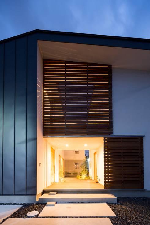 moderne Huizen door Studio R1 Architects Office