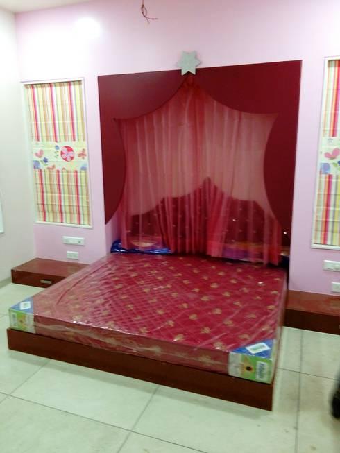 Dr varia residence: modern Nursery/kid's room by Tameer studio