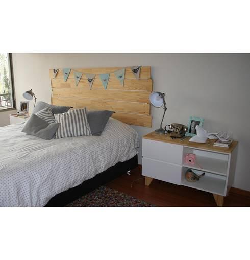 RESPALDO Y VELADORES: Dormitorios de estilo escandinavo por Doll diseño