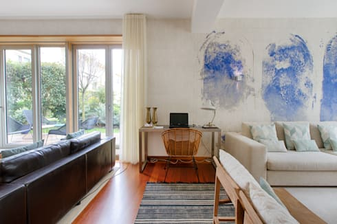 Casa em Leça da Palmeira: Salas de estar ecléticas por SHI Studio, Sheila Moura Azevedo Interior Design