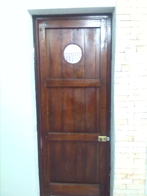 La puerta:  de estilo  por Arq. Alberto Quero