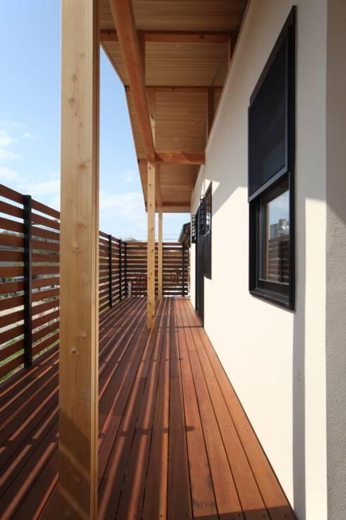 加門建築設計室의  베란다