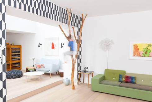 Kletter- und Designobjekt: skandinavische Wohnzimmer von Badabaum