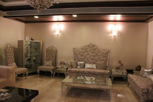 Mrs. Jaspreet Panesar: classic Living room by Designworks