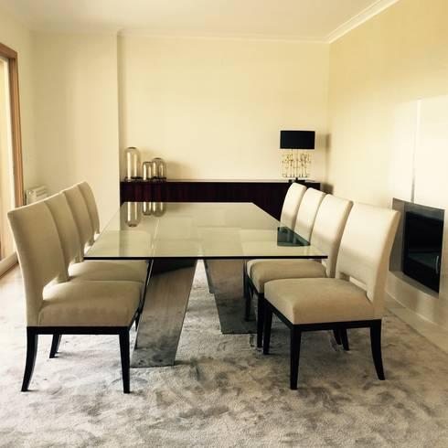 Apartamento Coimbra: Salas de jantar modernas por NOZ-MOSCADA INTERIORES
