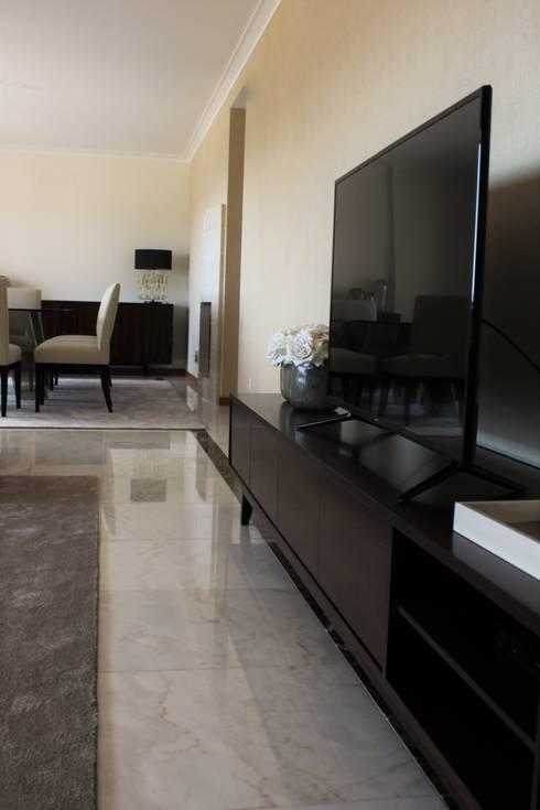 Apartamento Coimbra: Salas de estar modernas por NOZ-MOSCADA INTERIORES