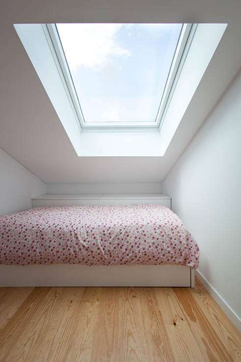 Dormitorios infantiles de estilo  por Ricardo Caetano de Freitas | arquitecto