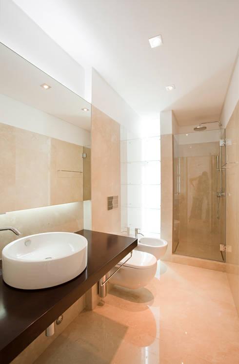 Baños de estilo  por Ricardo Caetano de Freitas | arquitecto