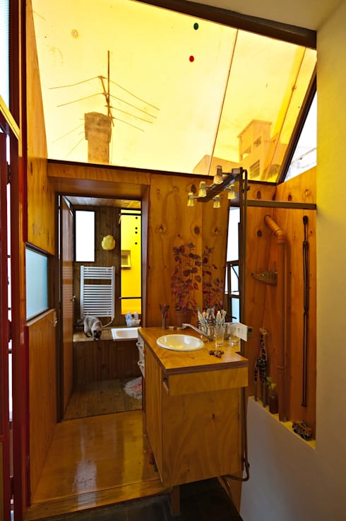 Banheiros industriais por Pop Arq