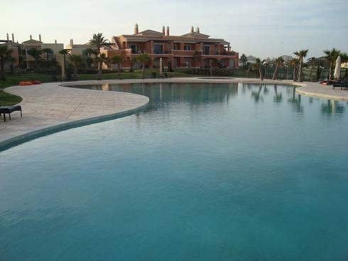 Construção de piscina: Piscinas mediterrânicas por Dreampool